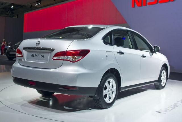 Nissan almera mosca 2012 3