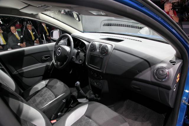 Dacia sandero stepway parigi 2012 5