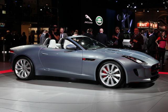 Jaguar f type da parigi 07