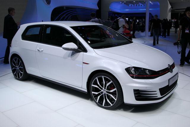 Volkswagen golf gti parigi 3