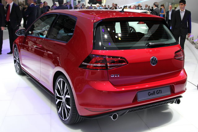 Volkswagen golf gti parigi 7