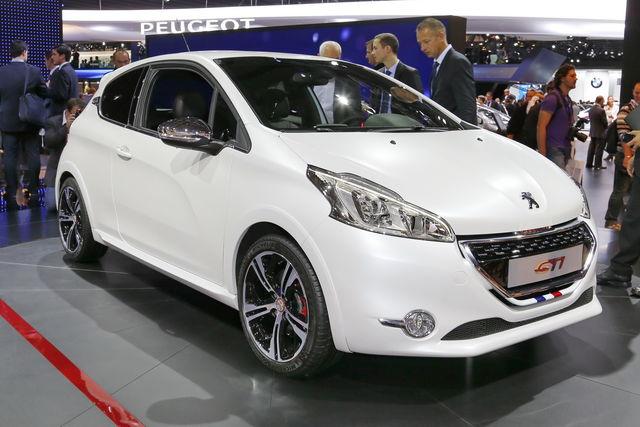 Peugeot 208 gti parigi 2012 2