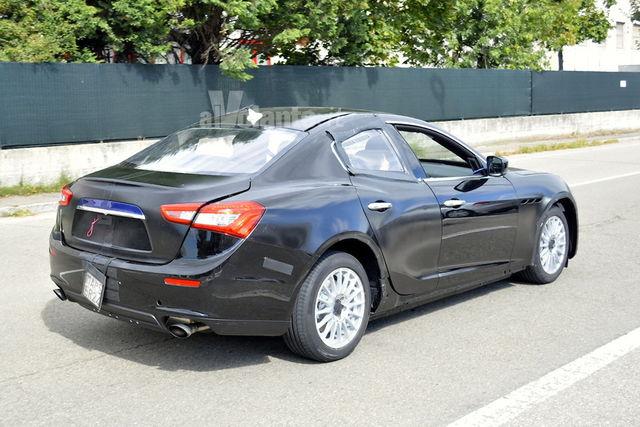 Alfa Romeo Giulia spy