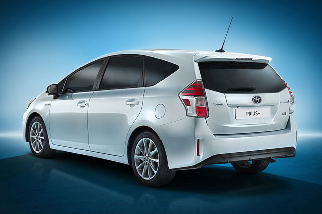 toyota prius per il 2015 si rinnova. Black Bedroom Furniture Sets. Home Design Ideas