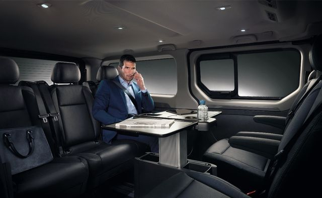 renault trafic spaceclass ufficio mobile. Black Bedroom Furniture Sets. Home Design Ideas