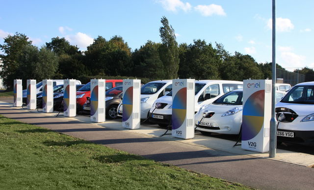 Dal 2035 solo auto elettriche? - Pagina 2 V2g-ricara-euro-elettrica-colonnina_6