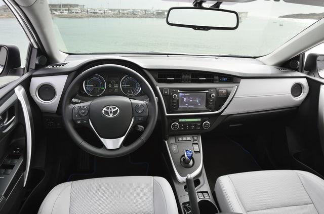 Toyota Auris Touring Sports Prova Scheda Tecnica Opinioni E