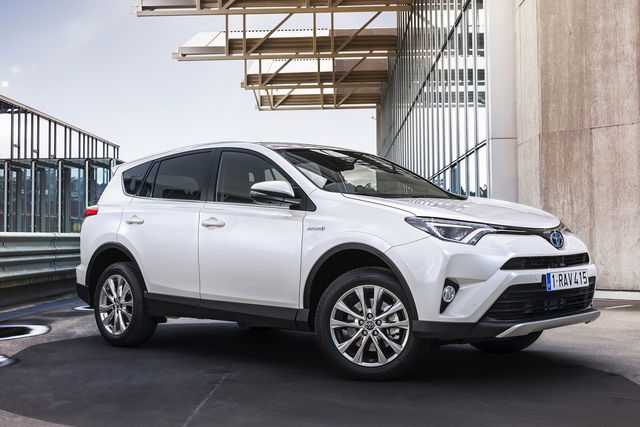 toyota rav4 prova scheda tecnica opinioni e dimensioni 2 5 hv e cvt lounge 4wd. Black Bedroom Furniture Sets. Home Design Ideas