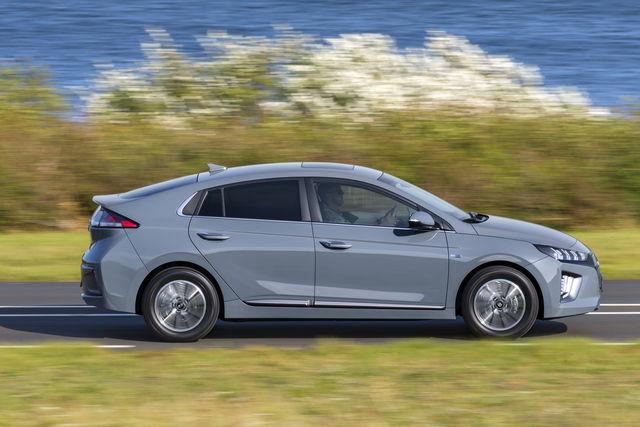 Hyundai Ioniq prova, scheda tecnica, opinioni e dimensioni