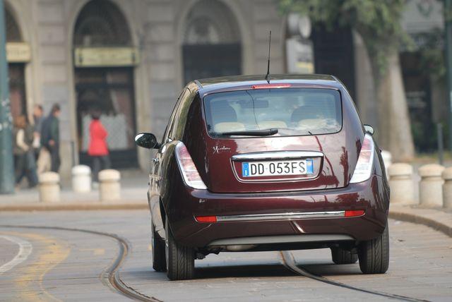 Prova Lancia Ypsilon Scheda Tecnica Opinioni E Dimensioni 14 Oro