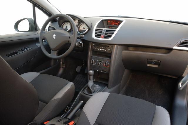 Prova Peugeot 207 Sw Scheda Tecnica Opinioni E Dimensioni 16 16v