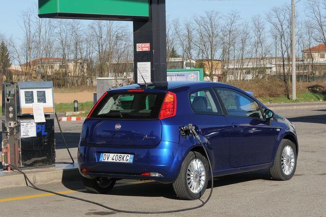 Fiat Punto Quanto Costa on fiat 500l, fiat stilo, fiat doblo, fiat barchetta, fiat multipla, fiat seicento, fiat x1/9, fiat marea, fiat cinquecento, fiat coupe, fiat spider, fiat bravo, fiat cars, fiat linea, fiat ritmo, fiat panda, fiat 500 abarth, fiat 500 turbo,