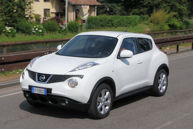 Prova Nissan Juke scheda tecnica opinioni e dimensioni 1.6 ...