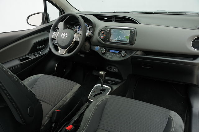 Prova Toyota Yaris Scheda Tecnica Opinioni E Dimensioni 1