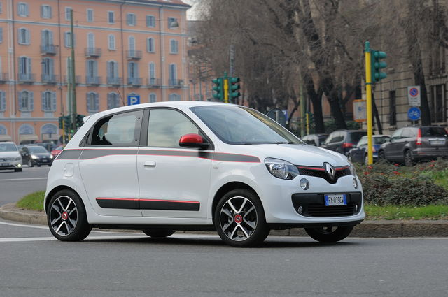 Prova Renault Twingo scheda tecnica opinioni e dimensioni