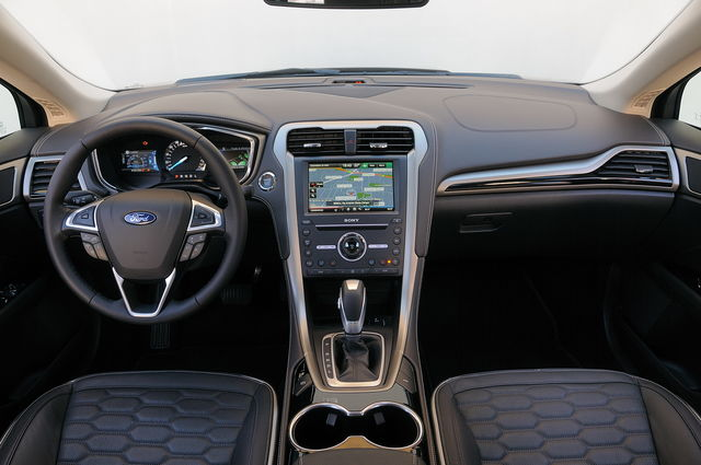 Prova Ford Mondeo Scheda Tecnica Opinioni E Dimensioni 2 0 Ivct