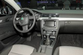 Francoforte 2009 skoda superb wagon 5