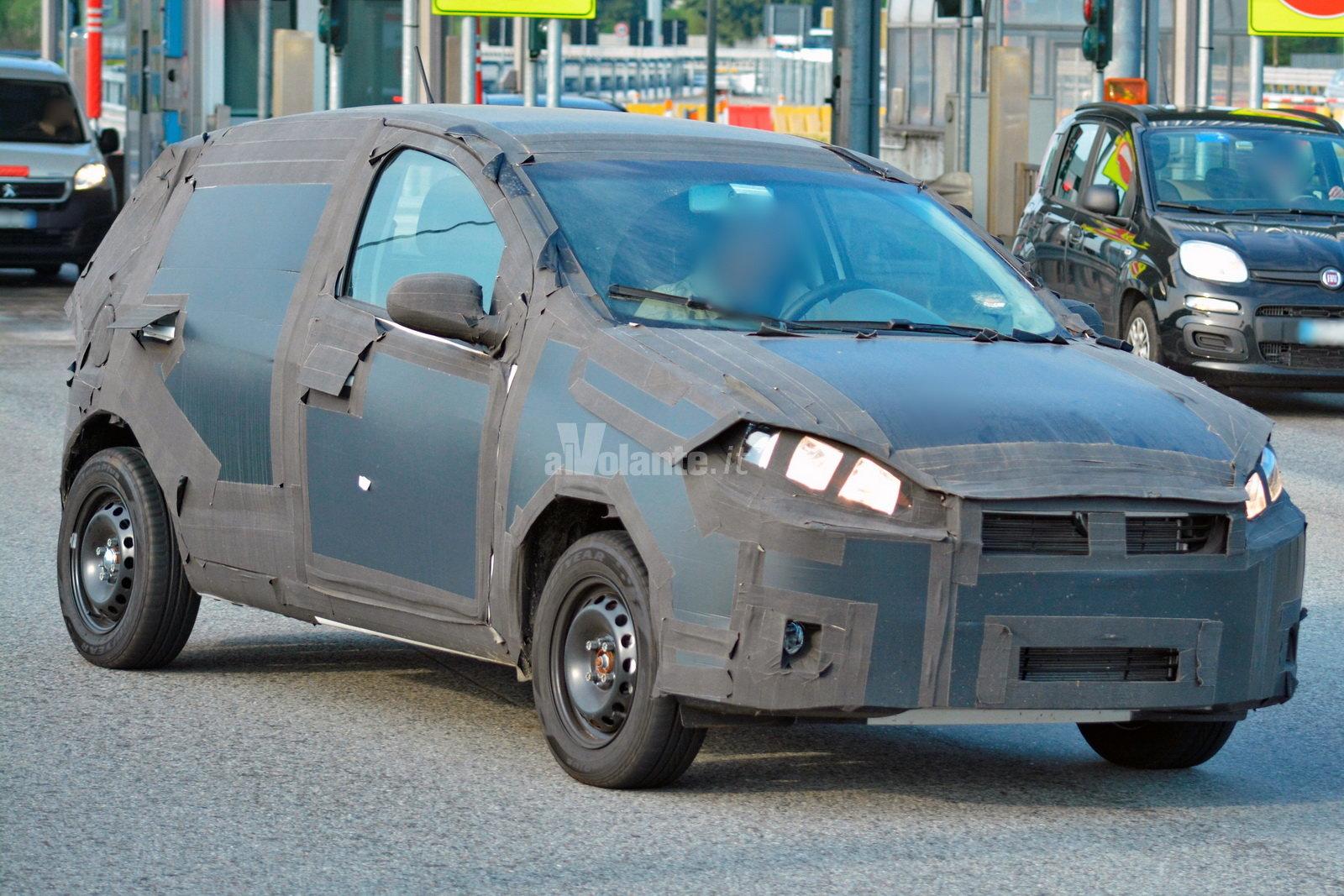 La Fiat Punto del 2017 fotografata in Italia Fiat Punto Quando Il Nuovo Modello on
