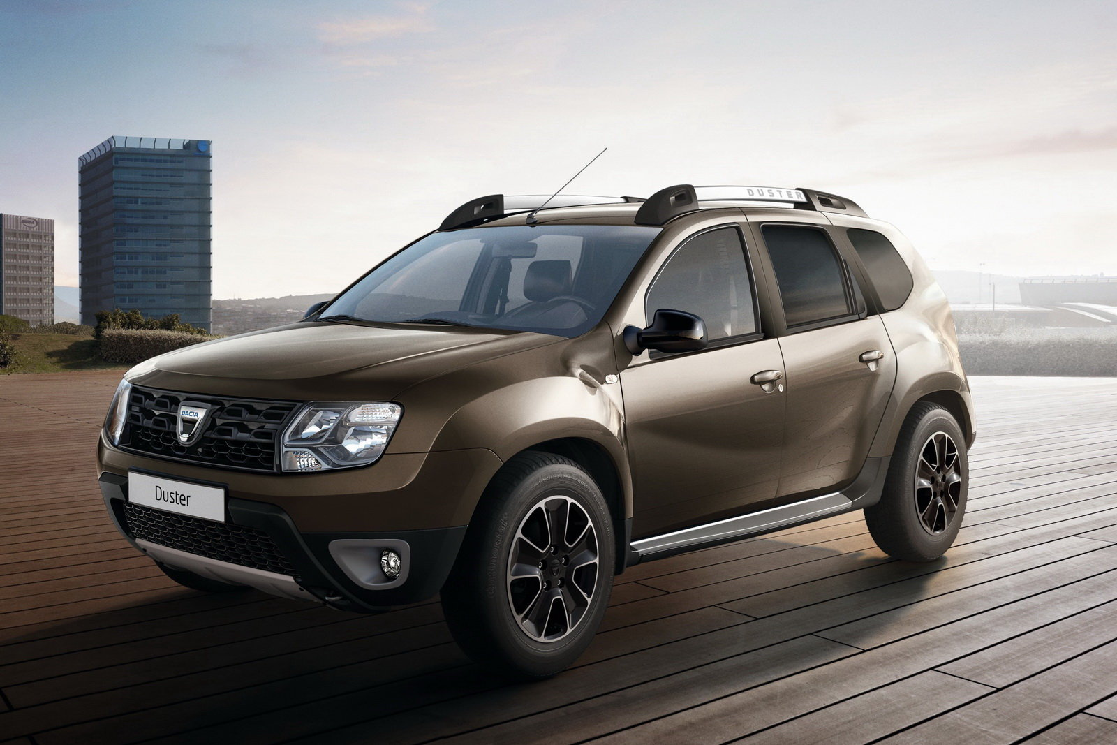 foto dacia duster arriva la black shadow. Black Bedroom Furniture Sets. Home Design Ideas