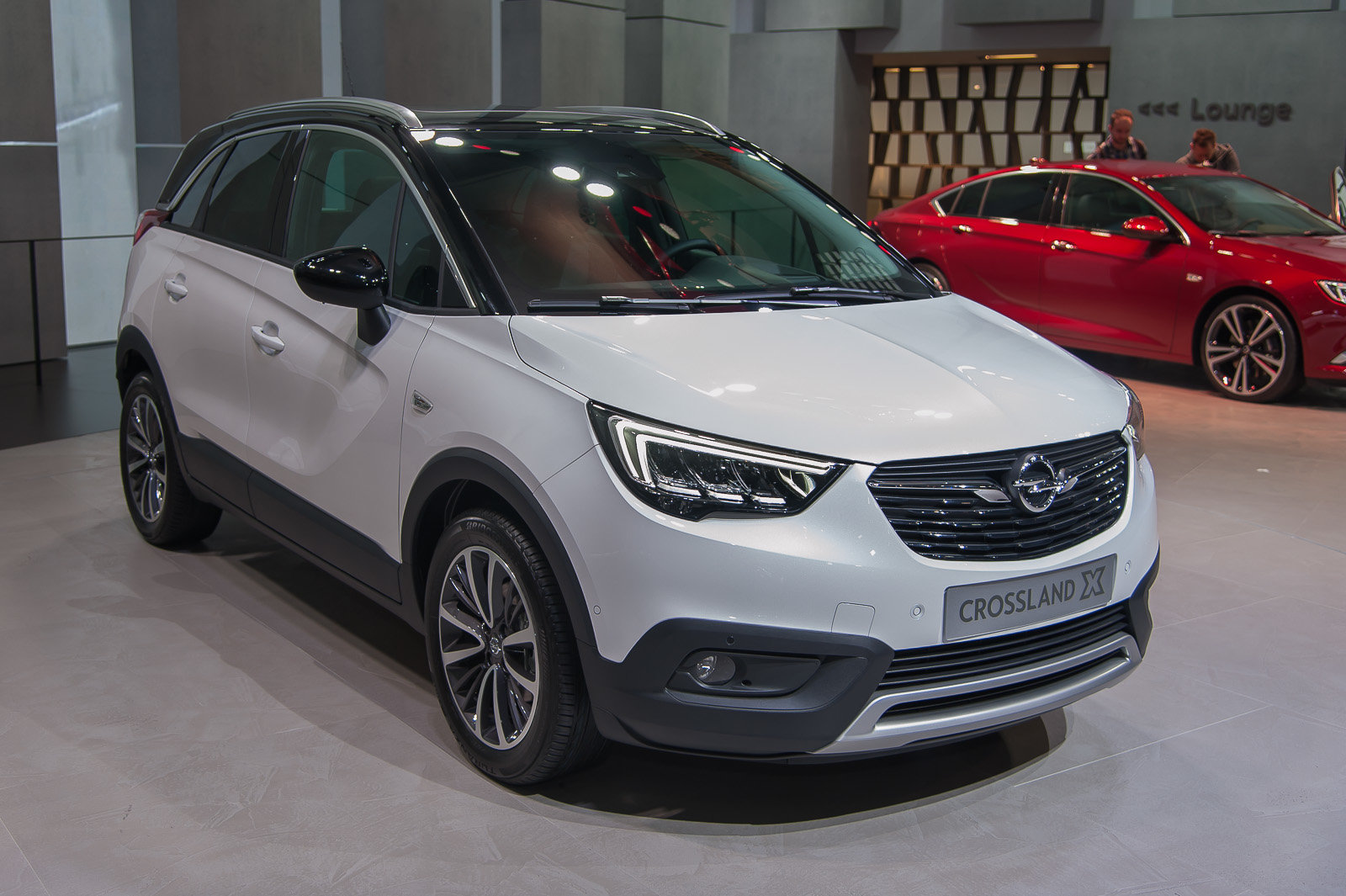foto opel crossland x crossover da citt. Black Bedroom Furniture Sets. Home Design Ideas