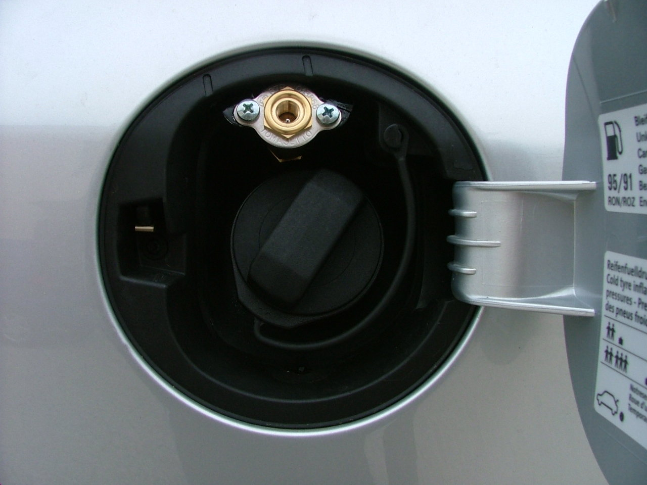 Foto il metano che dà una mano al diesel