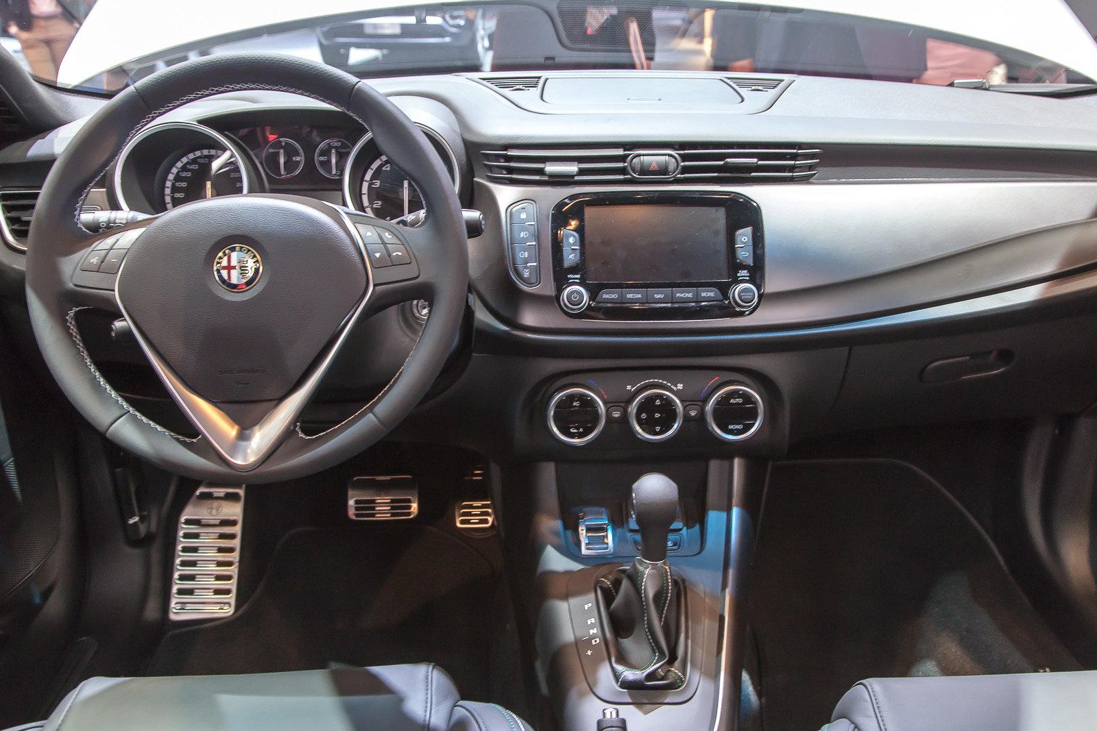 Alfa Romeo Giulietta Sport 2018 >> Foto - I nuovi interni dell'Alfa Romeo Giulietta