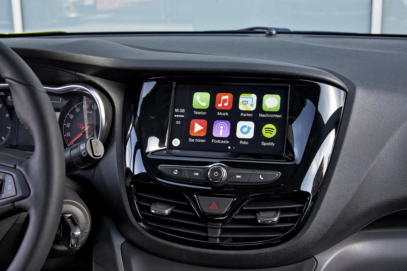 foto la opel supporter android auto e apple carplay. Black Bedroom Furniture Sets. Home Design Ideas