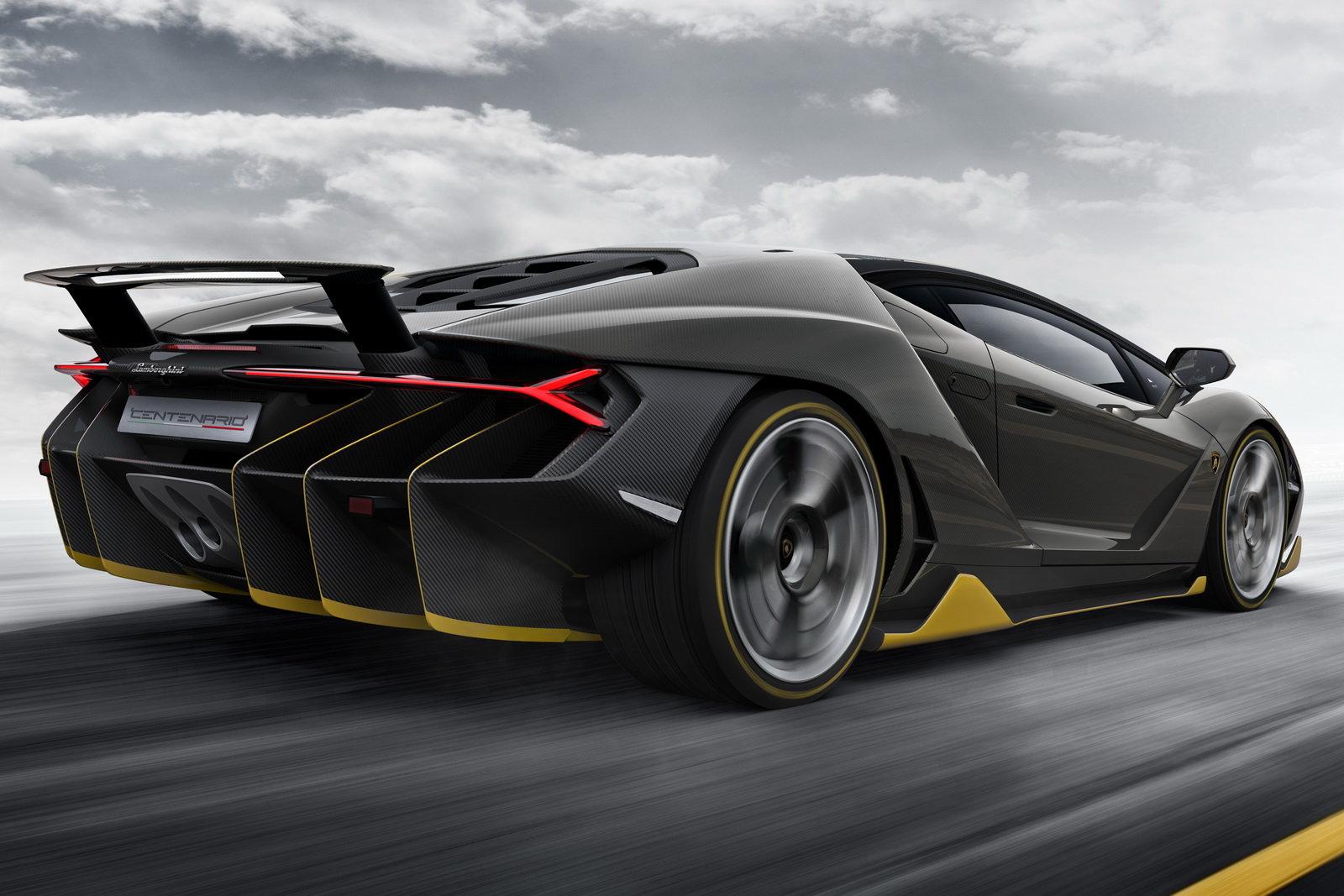 Foto - Lamborghini Centenario in onore della leggenda