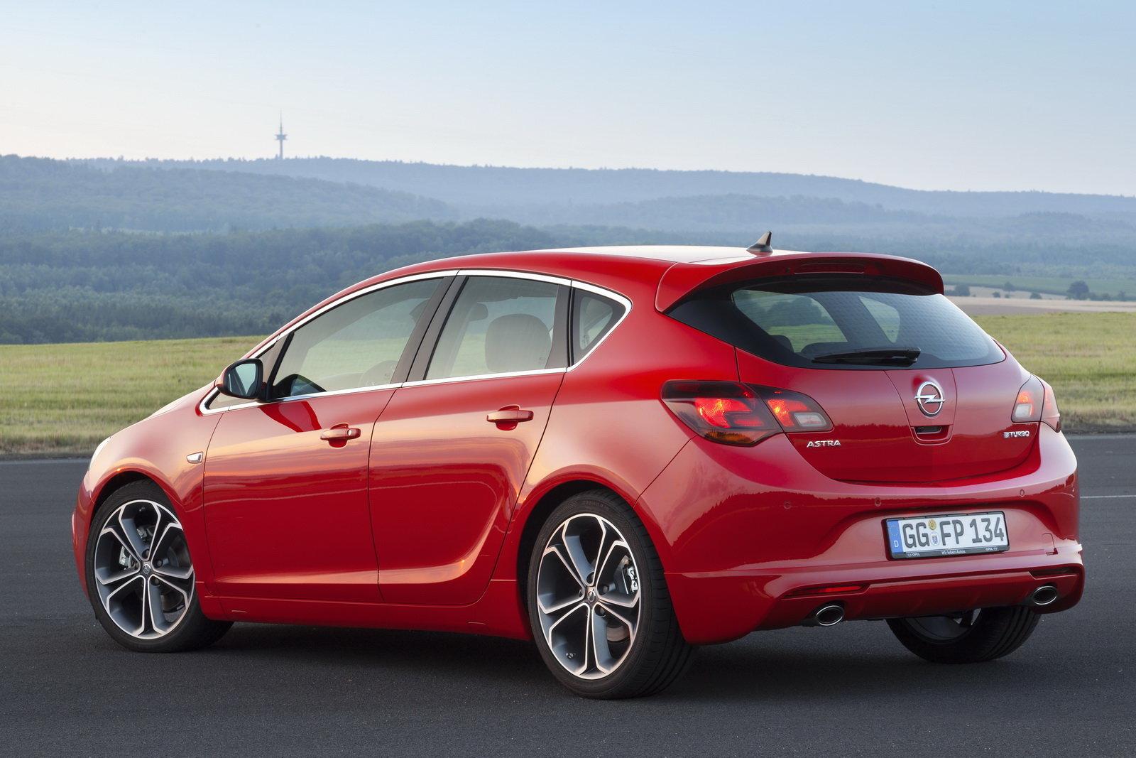 Opel Astra Prova Scheda Tecnica Opinioni E Dimensioni 2 0 Cdti Biturbo