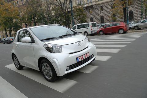 Prova Toyota iQ 1.0 Multidrive