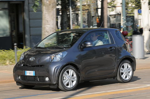Prova Toyota iQ 1.3 Executive Multidrive