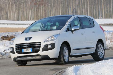 Prova Peugeot 3008 Hybrid4 88g