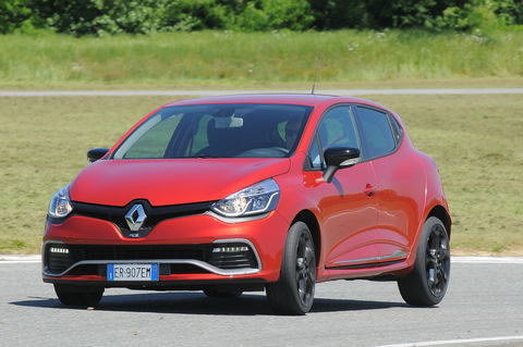 Prova Renault Clio 1.6 200 CV RS EDC
