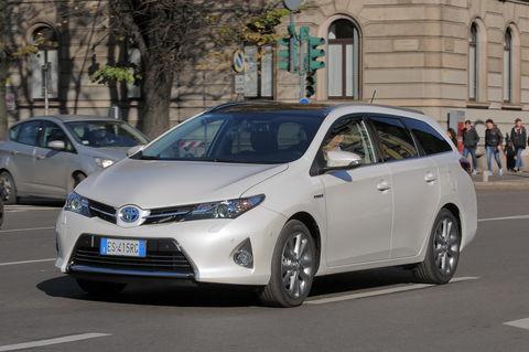 Prova Toyota Auris Touring Sports 1.8 VVT-i Hybrid Lounge
