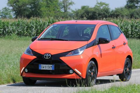 Prova Toyota Aygo 1.0 VVT-i 69 CV x-play 5 porte