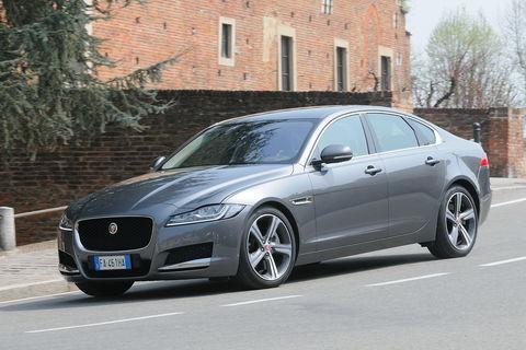 Prova Jaguar XF 3.0d V6 300 CV Portfolio Automatica