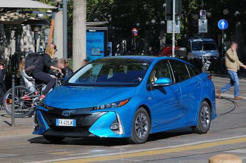 Prova Toyota Prius 1.8 Hybrid Plug-in E-CVT