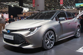 toyota auris 3 base