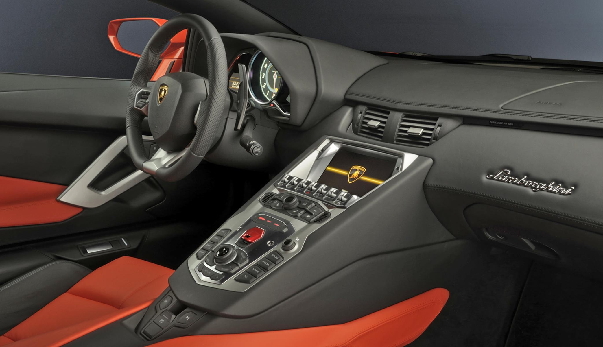 Listino Lamborghini Aventador Prezzo Scheda Tecnica Consumi Foto Alvolante It
